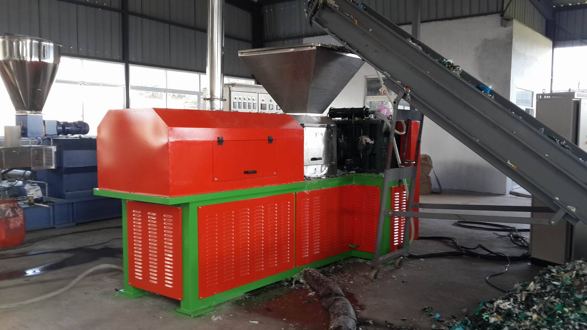 Film dryer plastic recycling squeezer pelletizer