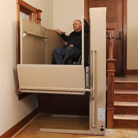Remote control 2m wheelchair lift platform