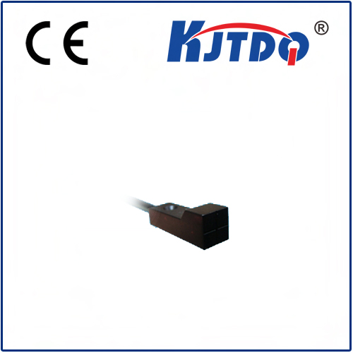 Square type inductive proximity sensor with good quality