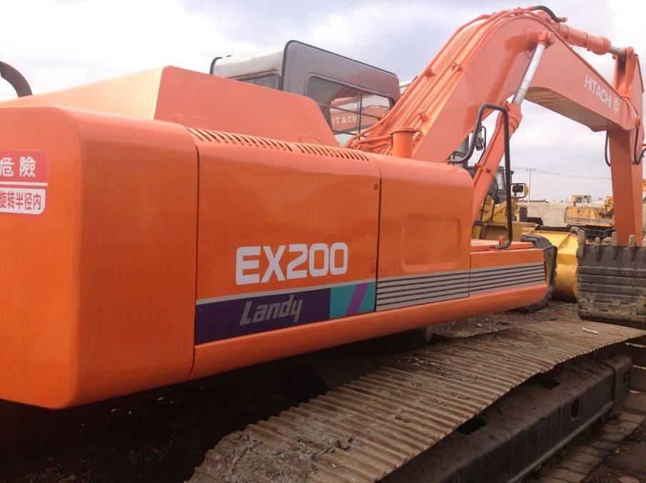 Japan used Hitachi EX200-1 crawler excavator in good quality for sale