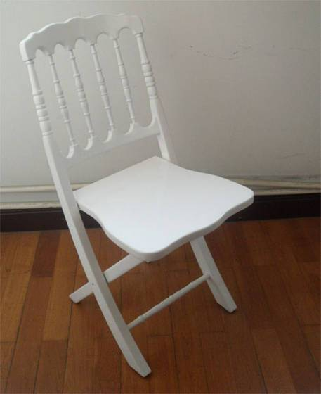Folding chateau chair