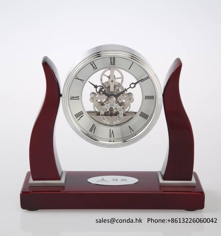 Conda Quartz wooden desk clock