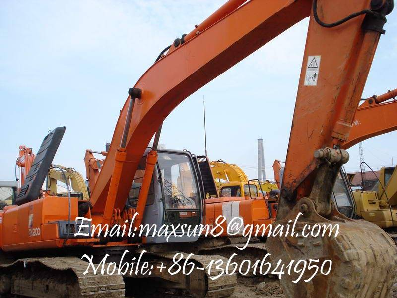 Used Hitachi Excavator Ex-200-5,Made in Japan,In very good working condition