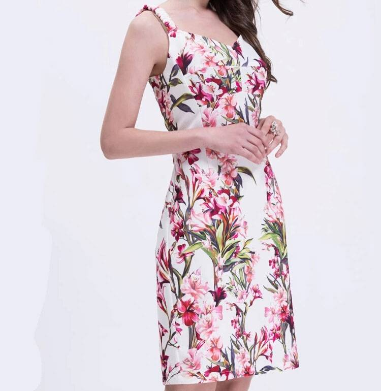 Floral Pattern Design Fashion Dress With Sleeveless Design