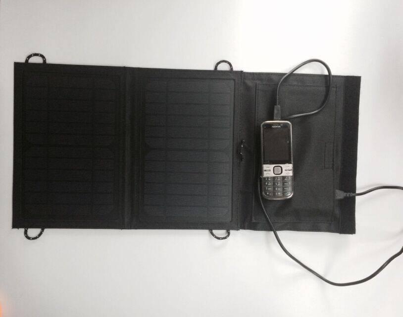 Foldable solar charger bag