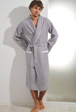 men's bathrobe 100% linen. Designed and manufactured in Italy.