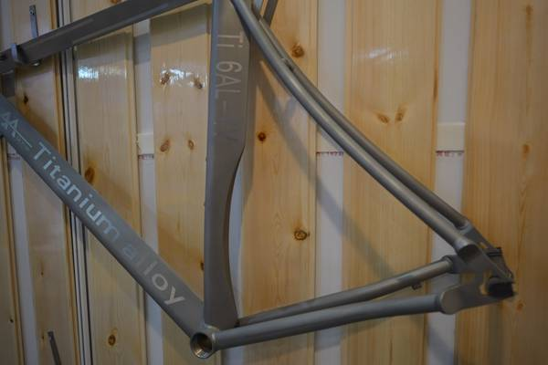 titanium alloy Road bicycle frame
