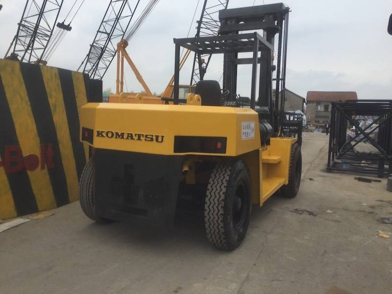 USED KOMTSU FD150T-7 FORKLIFT WITH HIGH QUALITY IN LOW PRICE