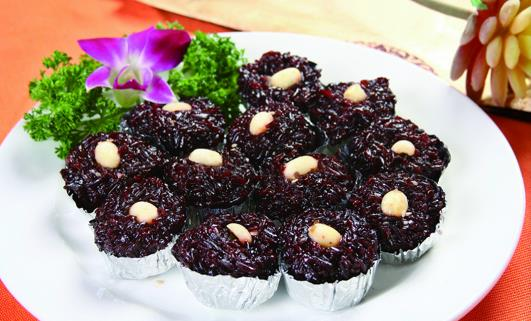 Xiaolian Factory Produced Traditional Chinese Food Snack Food Dim Sumblack Glutinous Rice Pudding