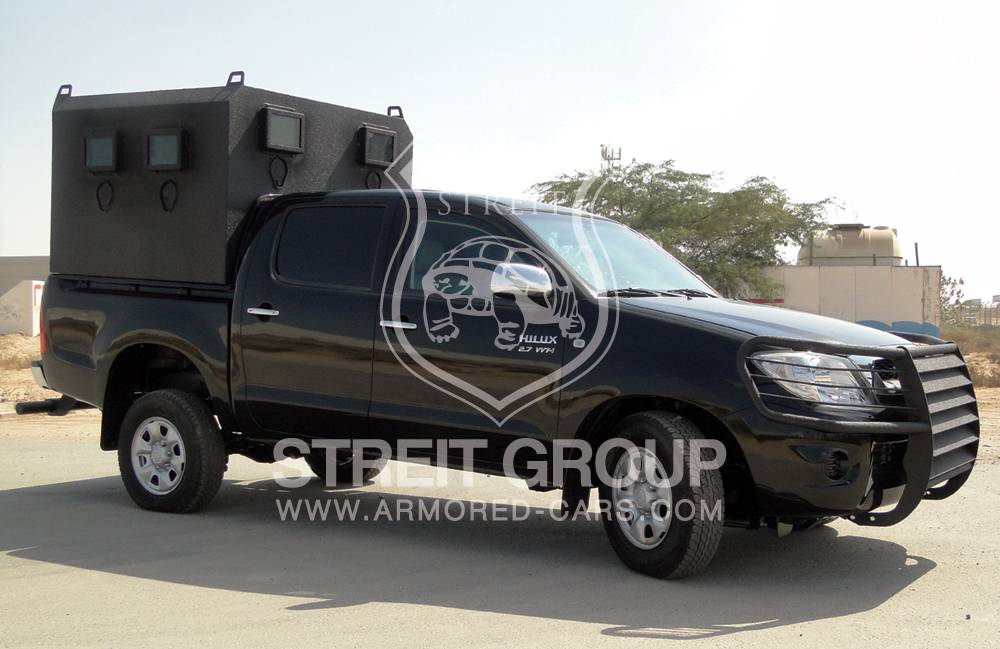 Armored Car Br6 Pm7 Level Toyota Hilux Police Convoy Streit