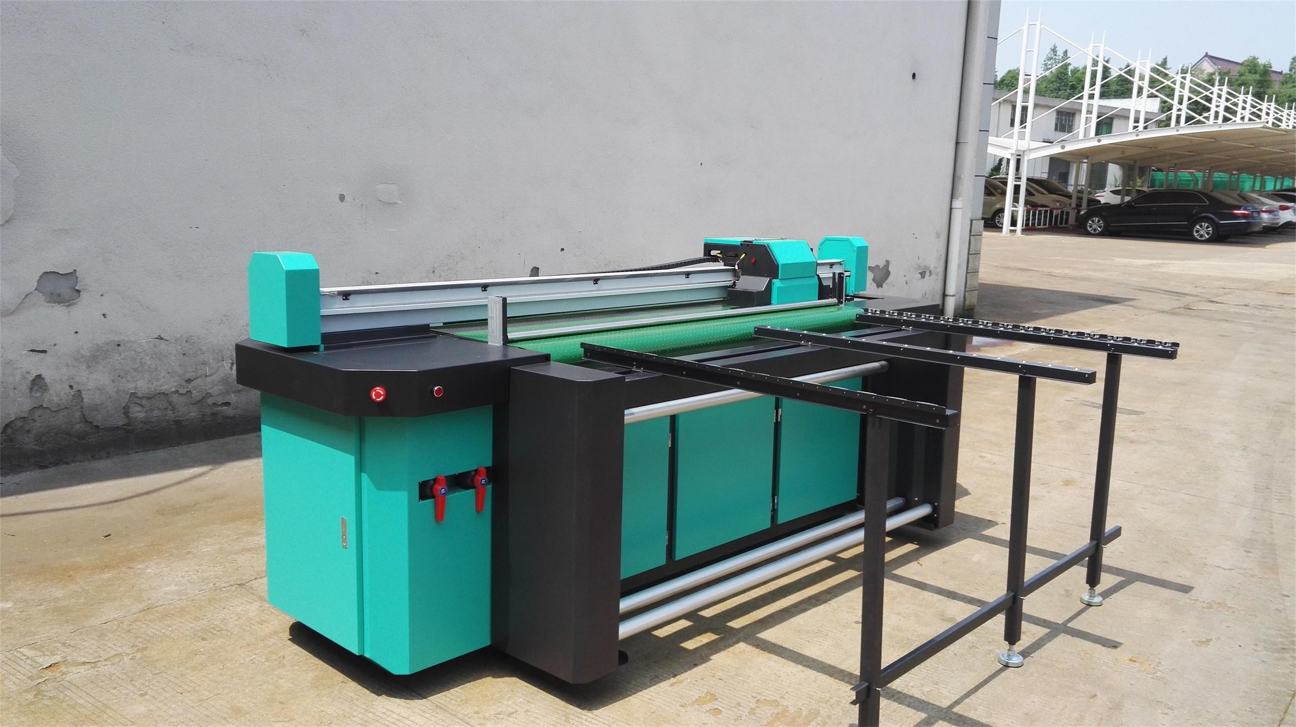 1.8m Hybrid UV Printer for Both Rigid and Flexible Material