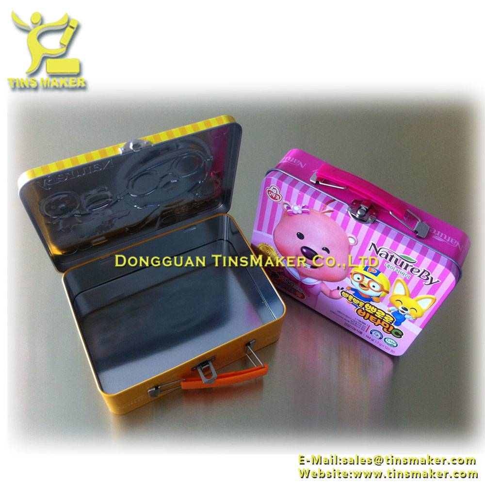 Tin lunch box with embossing