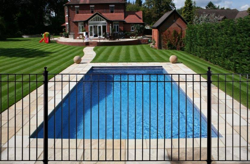 temporary pool fence