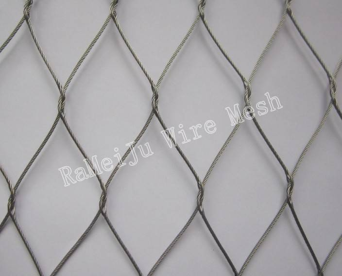 Stainless steel cable netting for animal cage