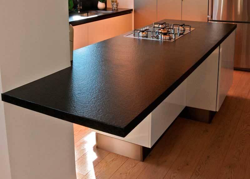 Black Color Quartz Stone Rock Solid Surface with Suede Texture