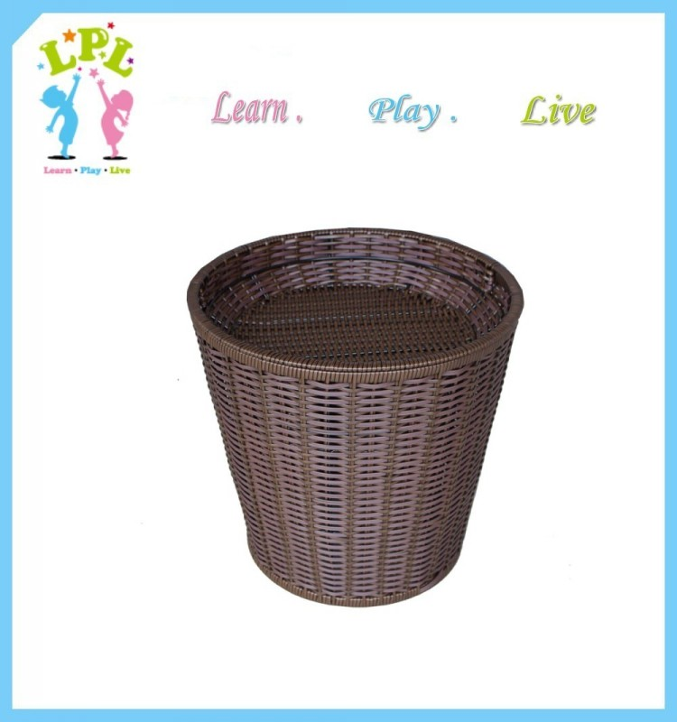 Beautiful hand weaving high quality plastic hotel basket
