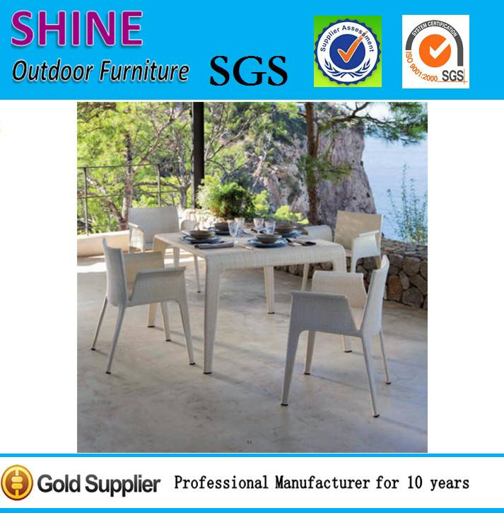 2015 New Bistro Rattan Dining Table and Chair Set SFM3150715-05