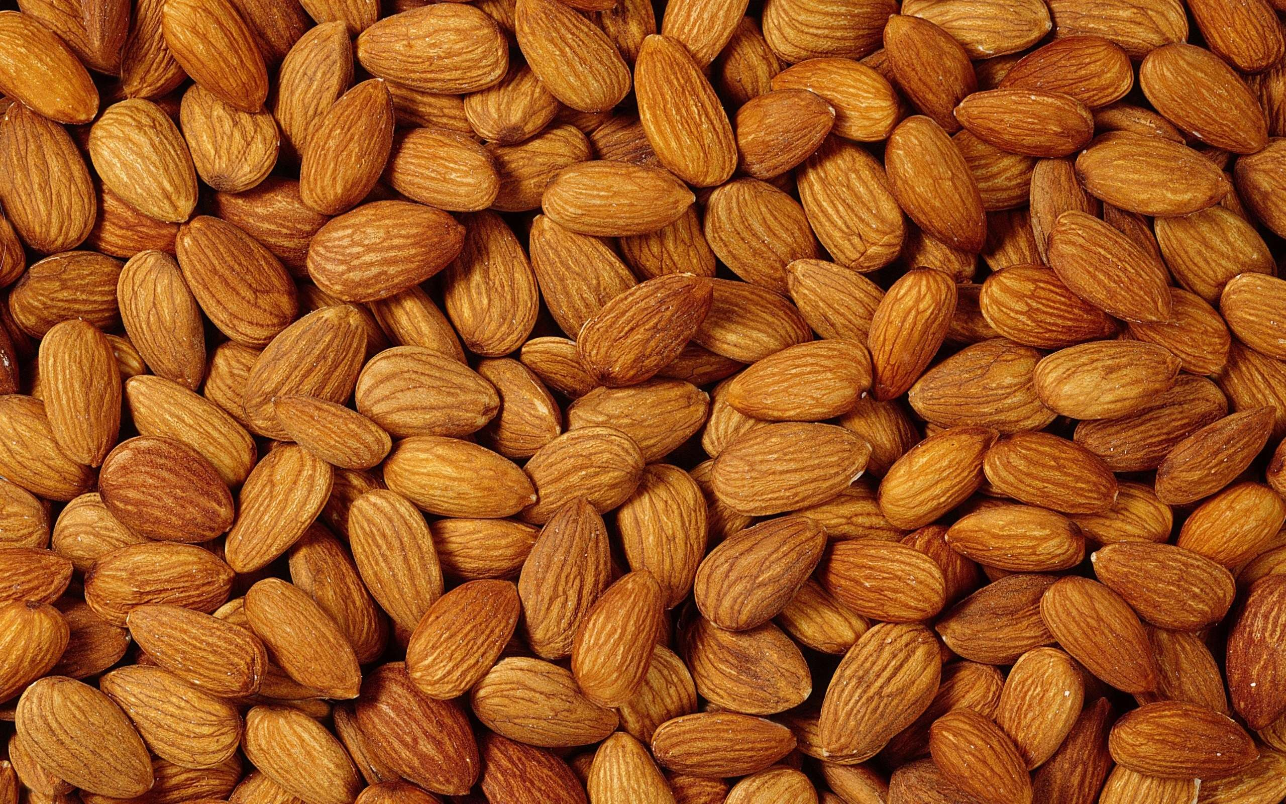Sweet Almonds Nuts and Kernels