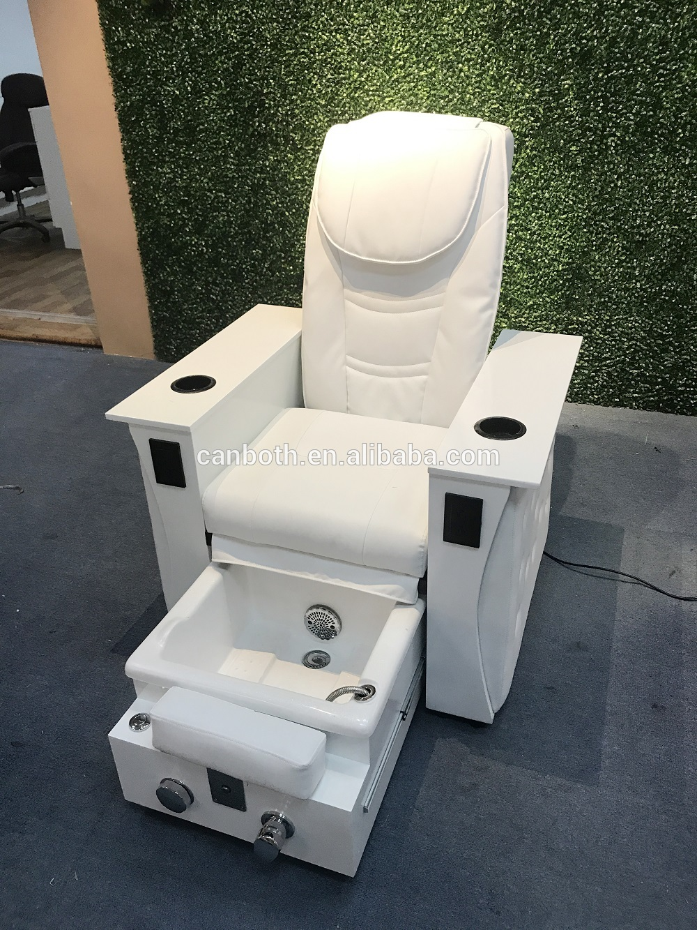 Pure White Color Salon Chair Foldable Nail Spa Pedicure Chair