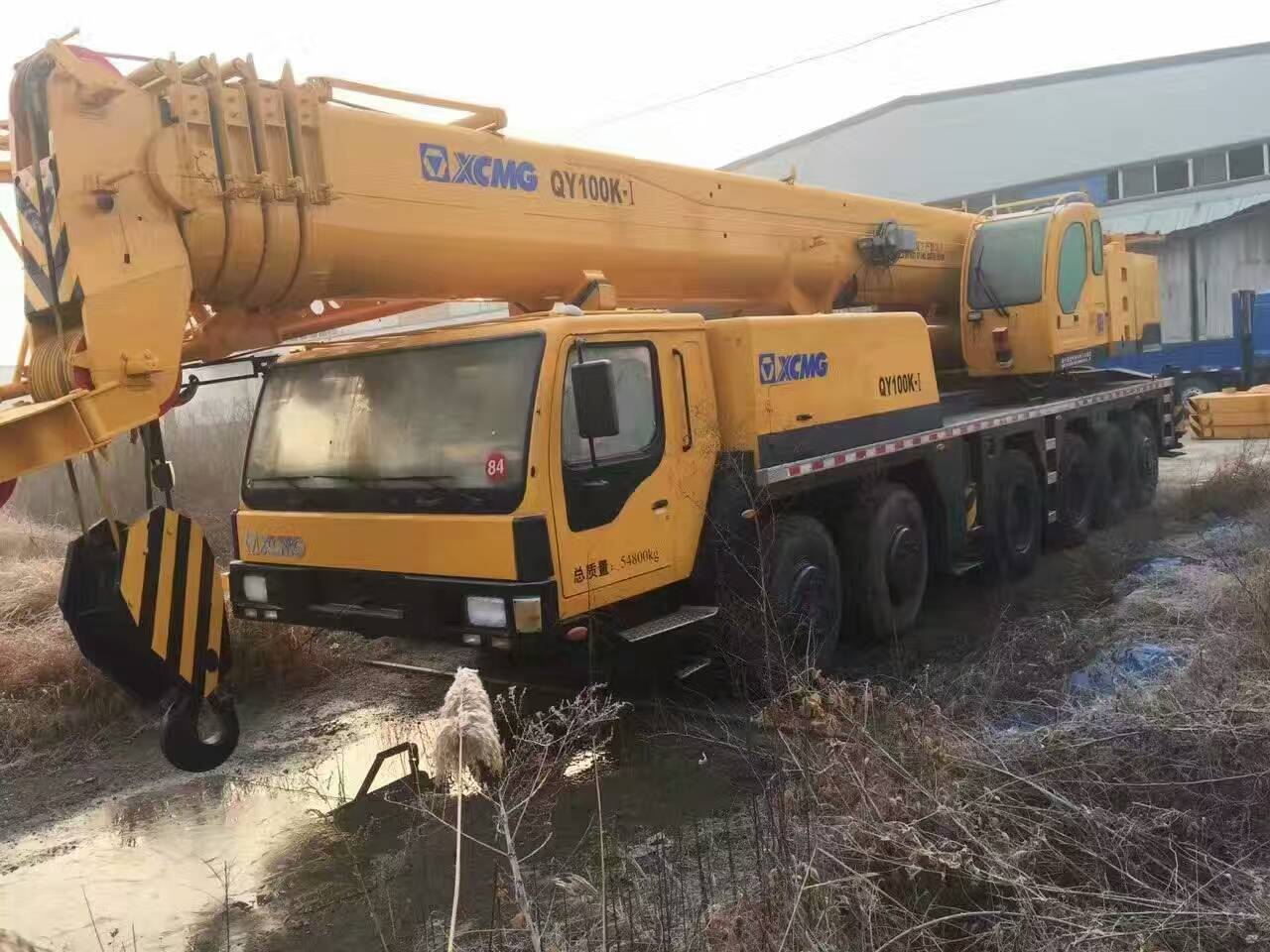 Used XCMG truck mounted crane 130 ton for sale, also 100 ton 70 ton