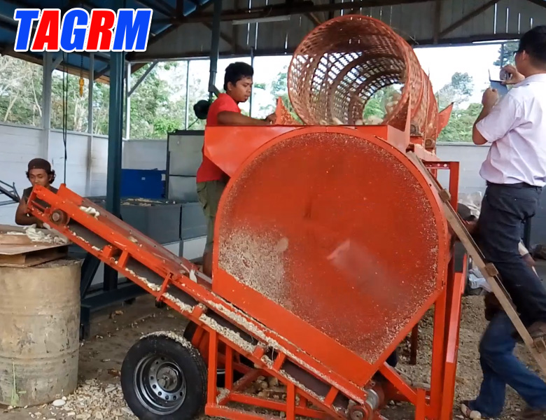 2014 new design cassava peeler /cassava peeling machine