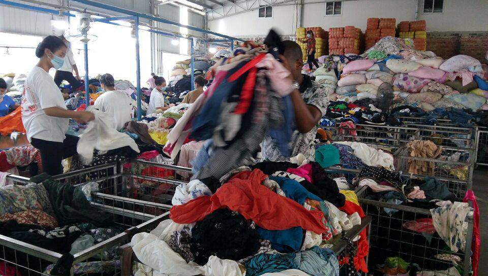 fit for Kenya market used clothings container sale