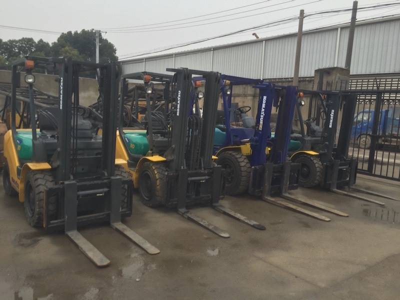 USED 5TON KOMATSU FORKLIFT FROM JAPAN WIHT HIGH QUALITY IN LOW PRICE