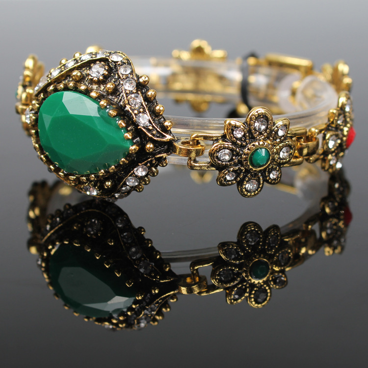 Retro diamond emerald bracelet