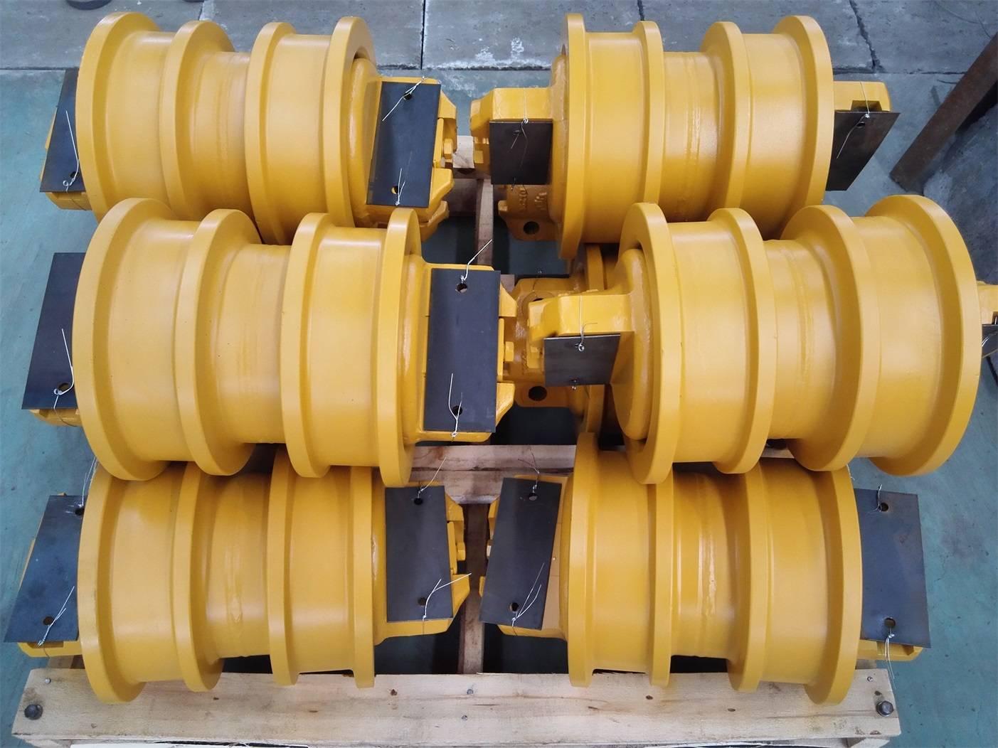 Komatsu-D155 Track roller DF