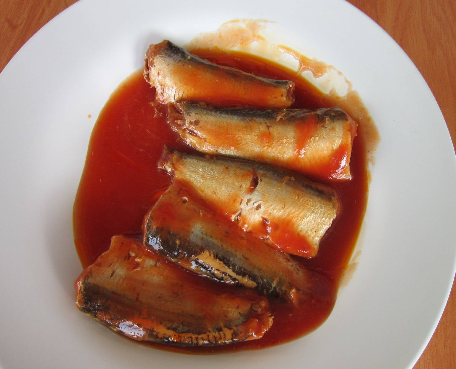 Canned sardines in tomato sause