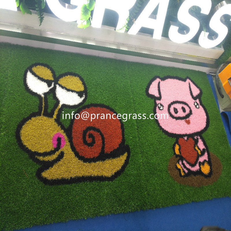 Natural looking and soft Astro Grass for children play