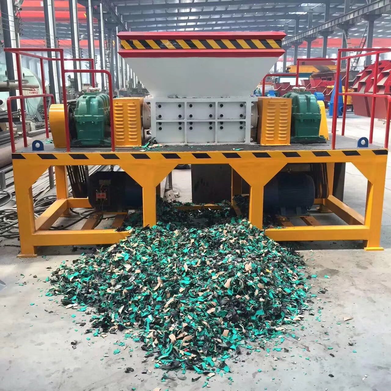 China Metal Shredder Machine Manufacturer Double Shaft Waste Metal Shredding Machine Metal Scrap Oil