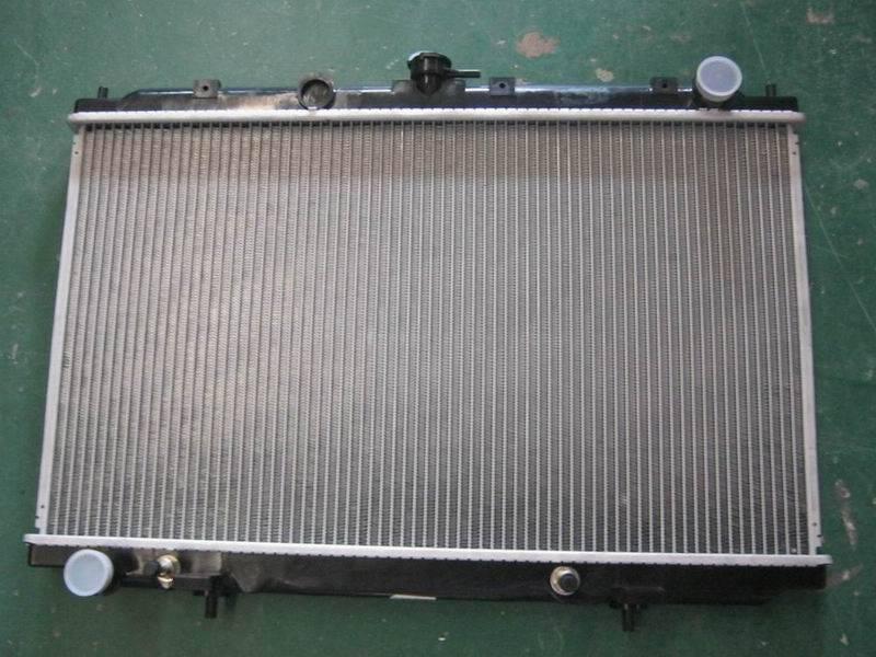 Nissan Infiniti auto radiator 21460-BU500