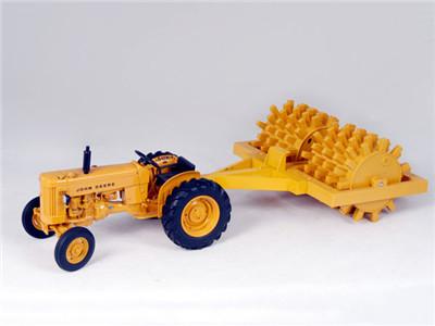 1:18 farm tractor model