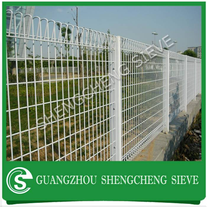Friendly safety fencing panel white roll top fence for playground