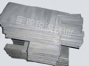 Iridium-platinum coated titanium electrode