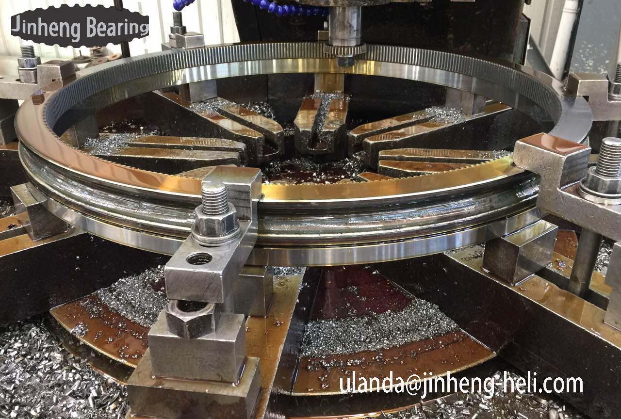 013.30.560 Swing ring bearing for mixer crane