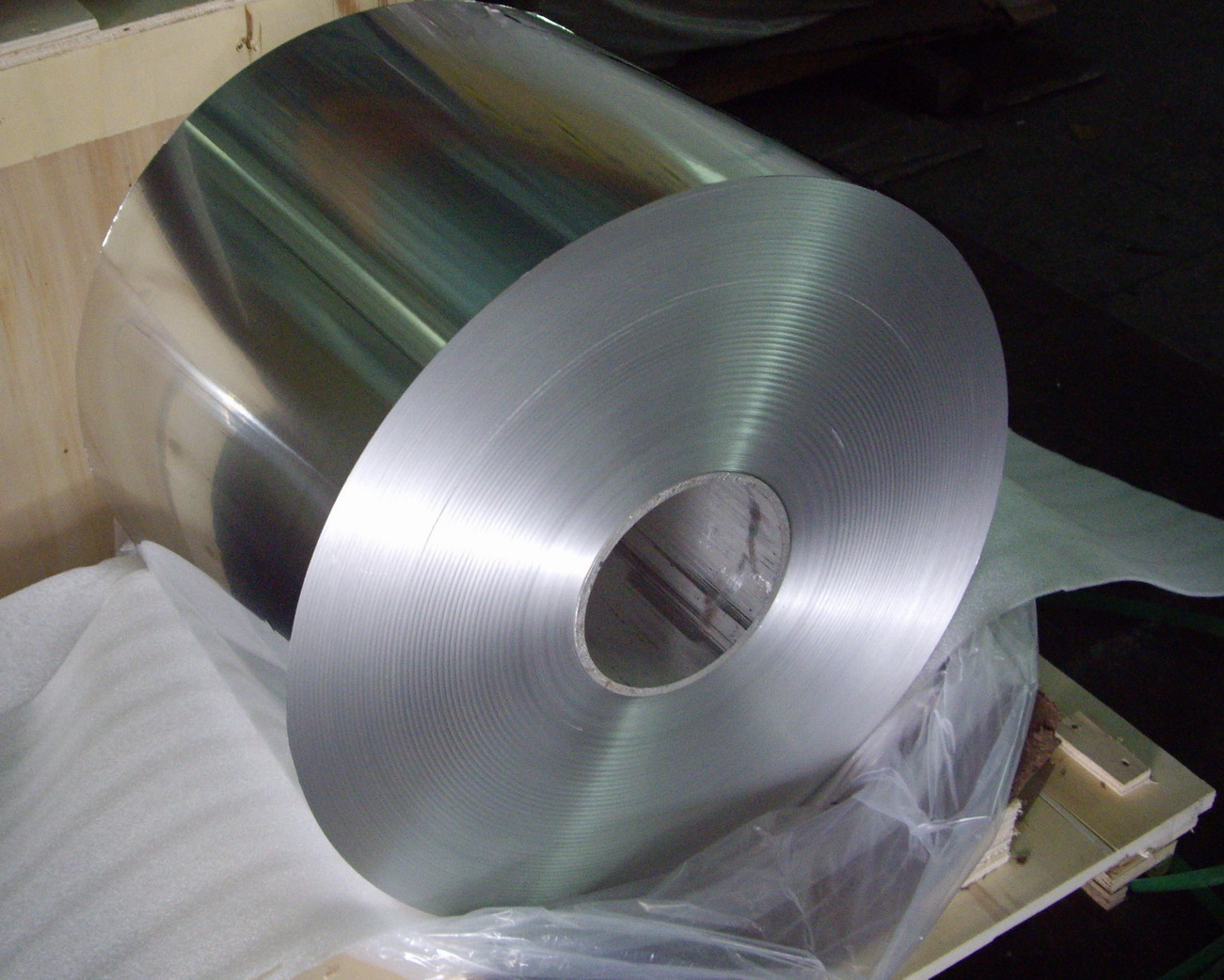 High Quality Low Price Household Aluminum Foil Jumbo Roll For Household Use