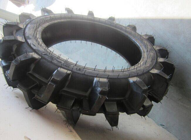 8.3-24 R-2 agricultural tire