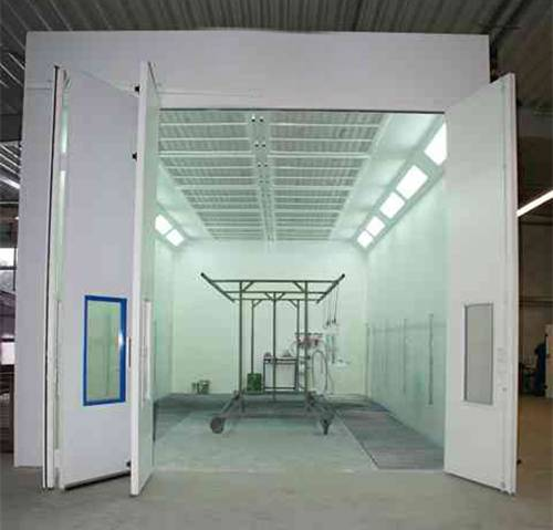 Paint Spray Booth with Water-Based Paint