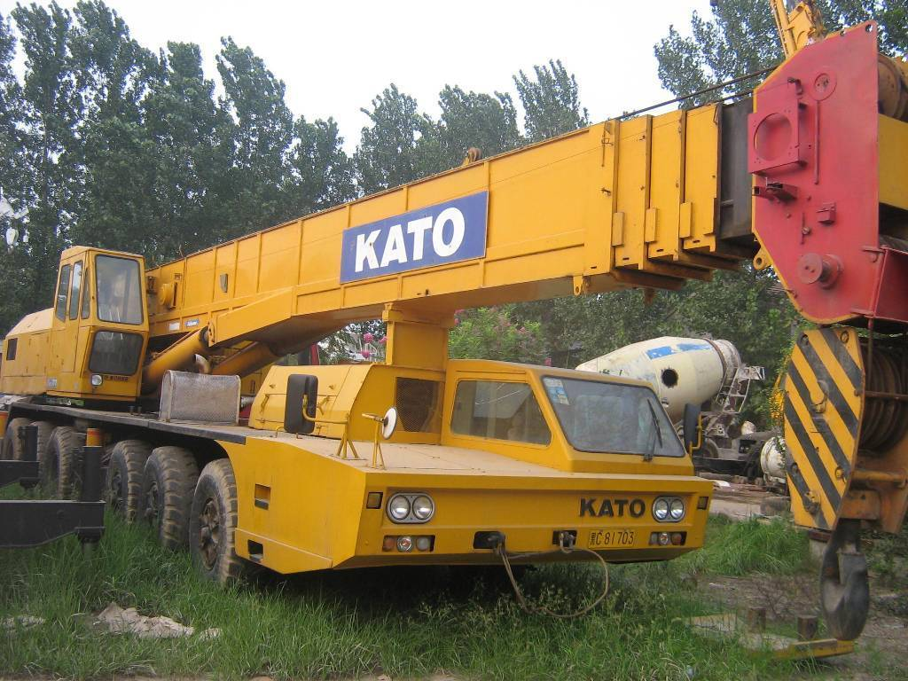 used kato NK800E-III rough terrain / truck/ mobile crane for sale in low price with high quality