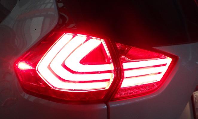 Nissan X-trail tail lamp