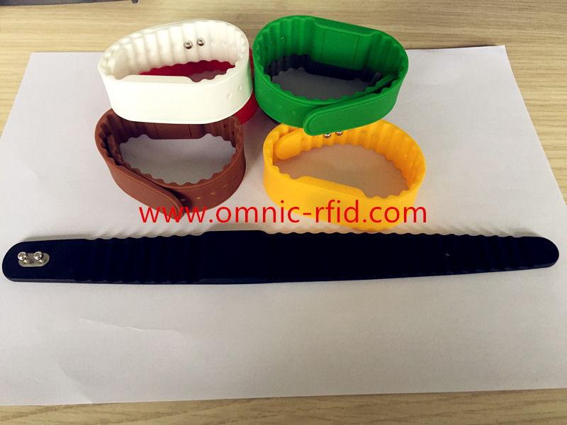 RFID silicone wristband watch lines inside