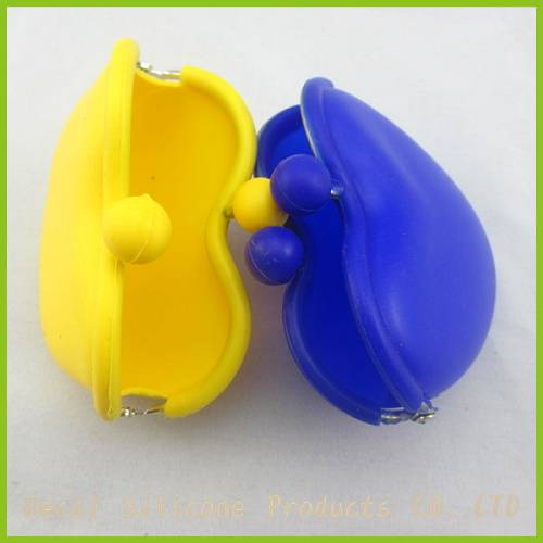 2012 lovely heart shape silicone purse