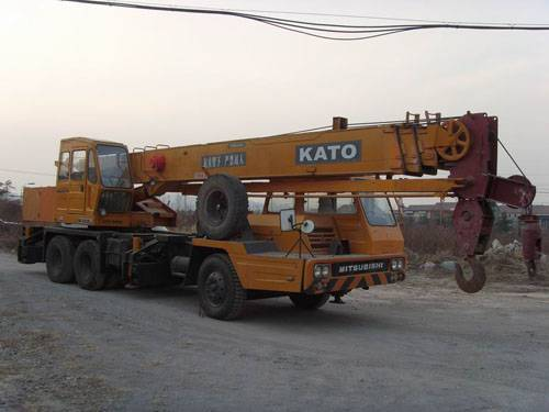 used crane KATO NK-250E