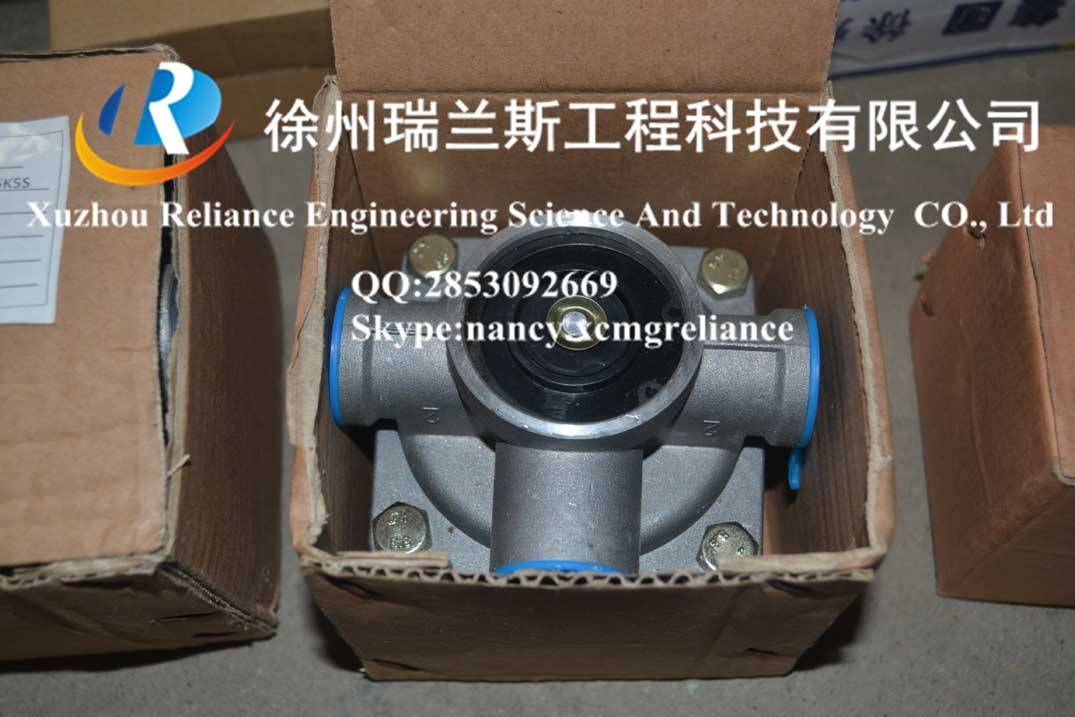 XCMG spare parts-crane-qy25k5s-Foot relay valve-800900012