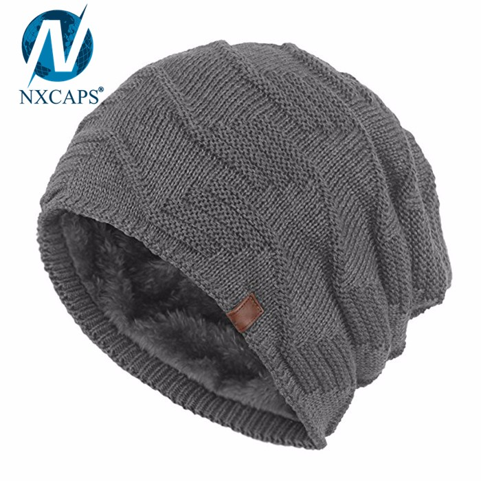 Wholesale beanies hats with leather label knitting hand yarn stocking cap fashion Skullies hats