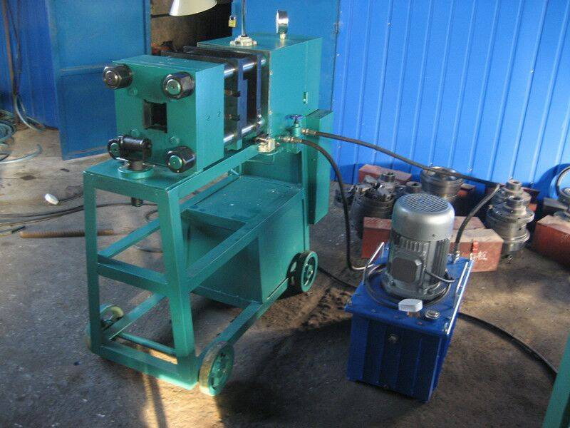 Rebar upset forging parallel threading machine