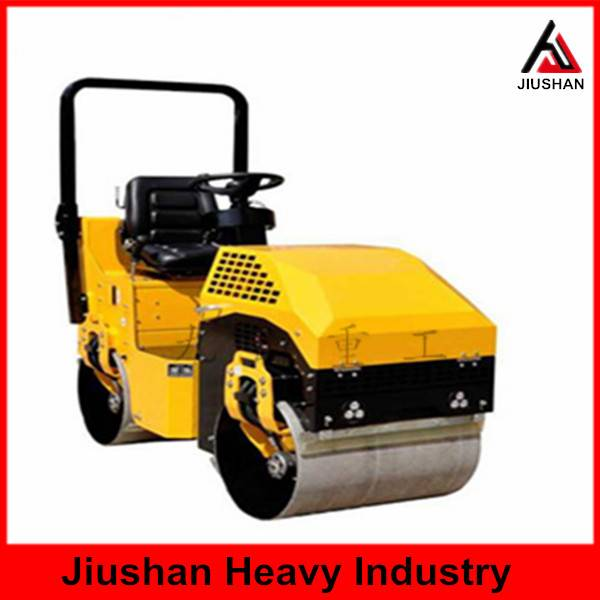 -	JS-YL-700C Seat type double drum road roller