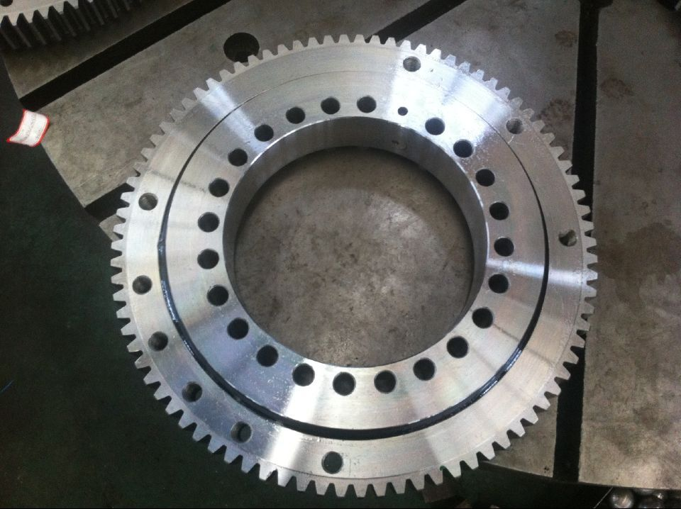 Kato KS453 653-20202011 crane slewing bearing